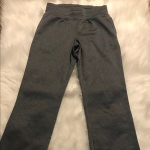 Women's grey Under Armour Storm sweatpants small